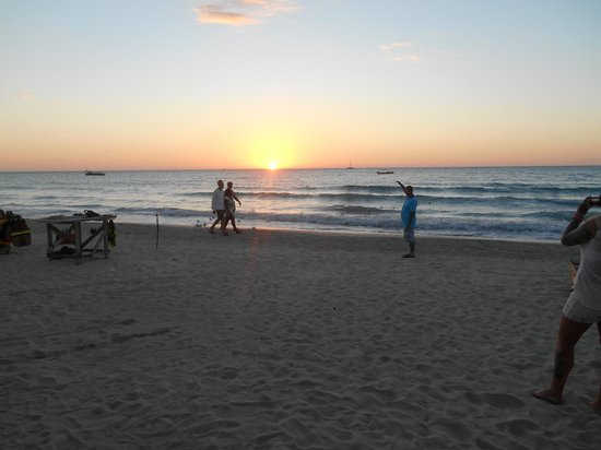 White Sands Negril : beach