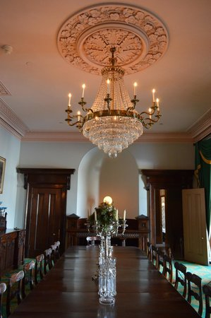 Dundurn Castle: The Dinning Table