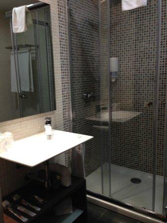 Hotel La Bastida: Baño