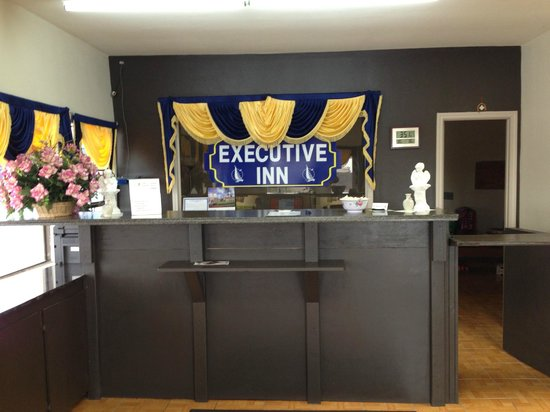 Executive Inn Laguna Vista: Office