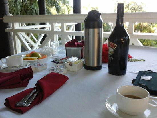 Morning coffee on our terrace every morning foto di for 11 westmoreland terrace