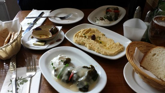 Elia: Starters: hummus and dolmathes