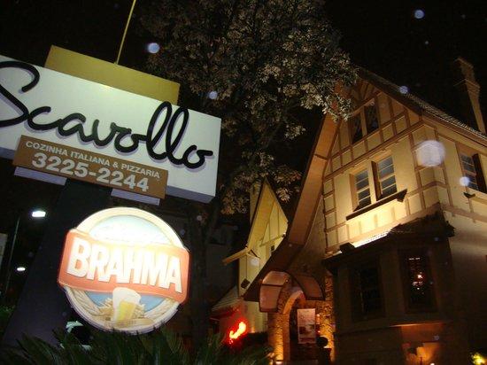 Scavollo Restaurante e Pizzaria : Vista da entrada