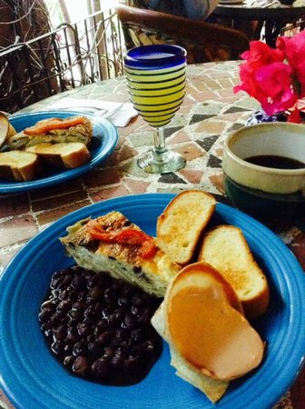 The Bungalows Hotel: Bungalows breakfast