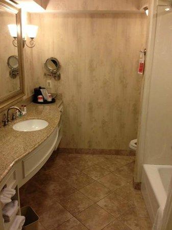 Country Inn & Suites By Carlson, Metairie (New Orleans): Ramada- bathroom