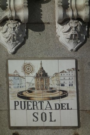 Puerto del Sol: Street name plaque