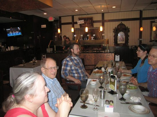 Angeethi Indian Cuisine: Plenty of room for a family affair.