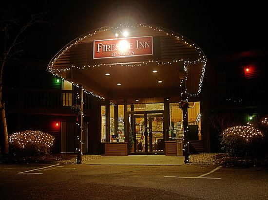 Fireside Inn & Suites at Lake Winnipesaukee: Fireside Inn.... December