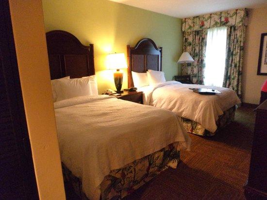 Hampton Inn & Suites San Juan: Room on main floor