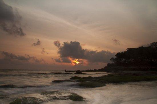 Samui Resotel Beach Resort: Sunrise.