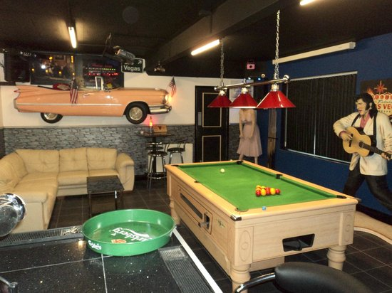 Tomaria Bed and Breakfast: Games room