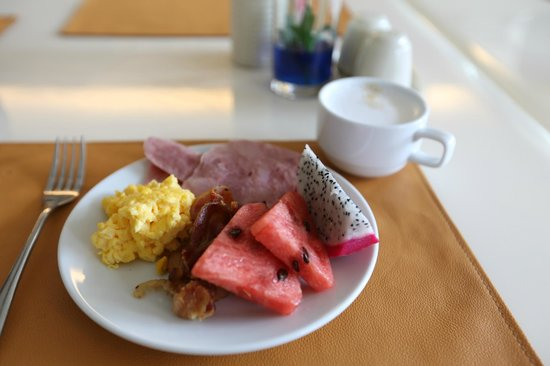 The Avenue Samui: The Avenue Hotel - Koh Samui - Thailand - The Travel Glow - breakfast