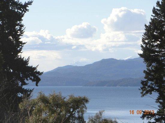 Villa Huinid Resort & Spa: Vista al lago