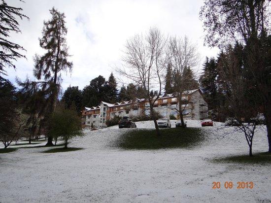Villa Huinid Resort & Spa: Hotel con nieve