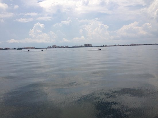 O'Maddy's Bar & Grille: Look at the view from the pier!