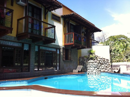 Casa Encantada Hotel & Suites : Vá e curta