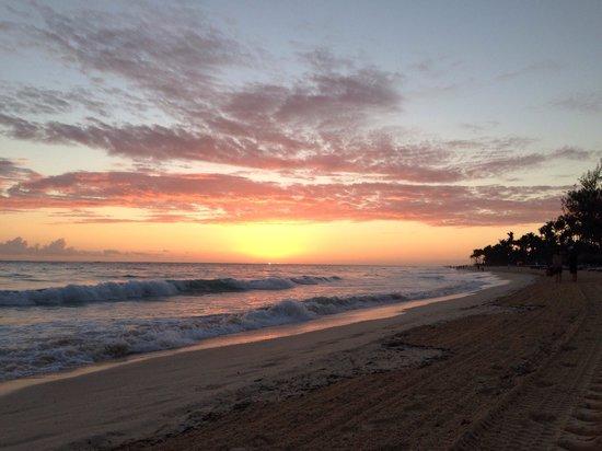 Paradisus Punta Cana: El amanecer desde la playa