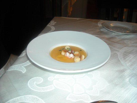 Caldora Punta Vallevo: Vellutata di zucca tiepida, con crostini a e gamberetti