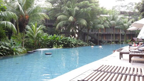 Pool from other end picture of siloso beach resort - Siloso beach resort swimming pool ...