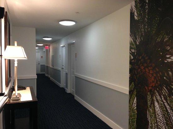 Hotel Indigo Fort Myers River District: Hallway - third floor