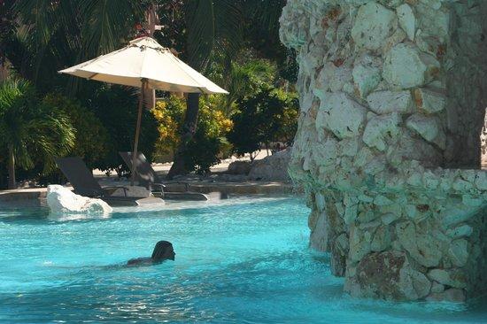 Coco Beach Resort: Making a splash