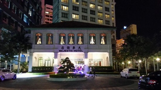 The Majestic Malacca: Hotel front at night