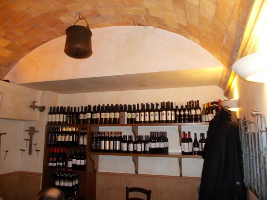 La Gattabuia: l'angolo del vino