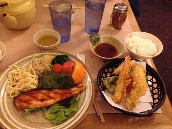Kazoo Restaurant: Salmon teriyaki and tempura