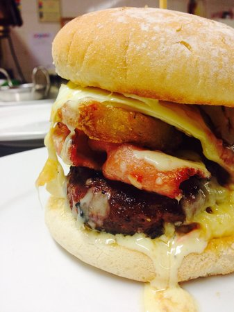 The Buck Inn: 'The Ultimate Burger'