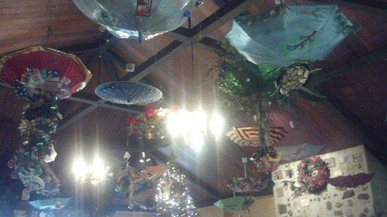 Kilauea Lodge & Restaurant: Christmas ceiling display at Kilauea Lodge