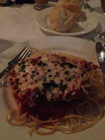 Di Trapani's Italian Bistro: Veal parmesan