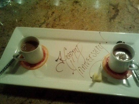 Altura Restaurant: Roman style aerated hot chocolate over mascarpone gelato