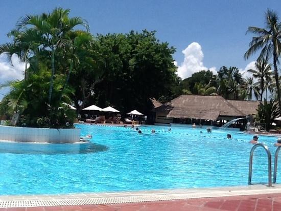 Prama Sanur Beach Bali: poolside