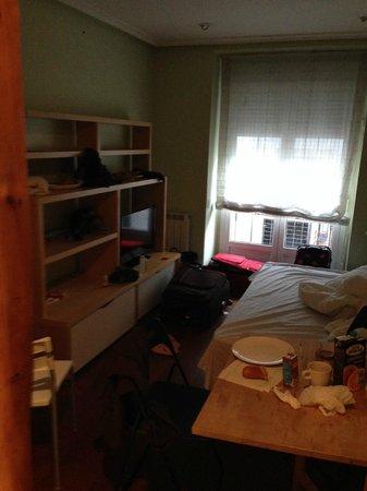 Apartamentos Good Stay Madrid: era de 3 personas pero lo alquilaron para 4