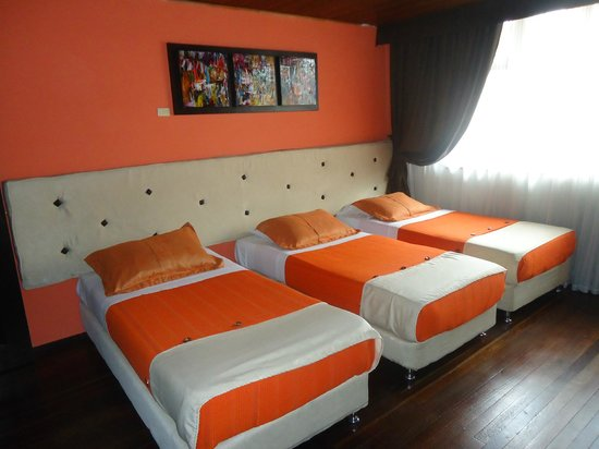 HOTEL CENTRAL HOUSE: HABITACION TRIPLE