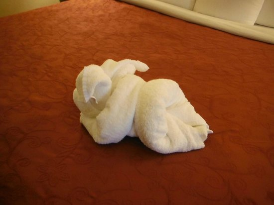 Country Inn & Suites By Carlson, Ontario at Ontario Mills: Little Piggy Towel