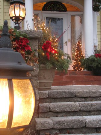 A G Thomson House Bed and Breakfast: Christmas entrance