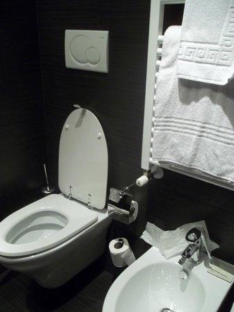 Hotel Club Florence: Baño