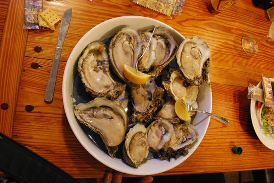 Hole In The Wall Seafood: Apalach Delicacy