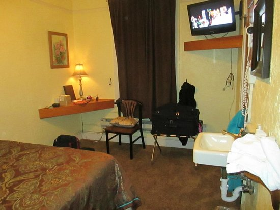 Hotel Monte Vista: Small room