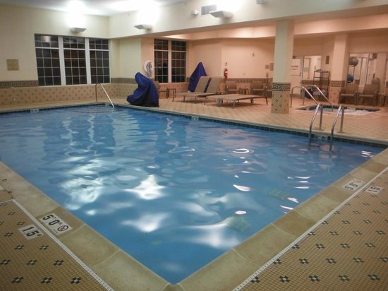 Chicago Marriott Midway : Pool and spa is nice and relaxing