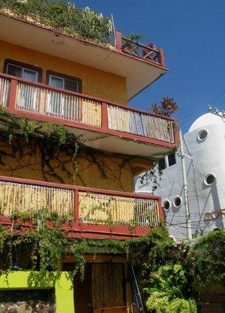 La Cabana de Puerto Angel: frente del hotel