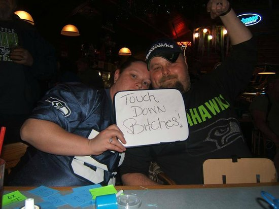 Entiat Log Cabin: Super Bowl! GO HAWKS!!