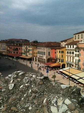 Arena di Verona: No topo da Arena, vista da Piazza Bra