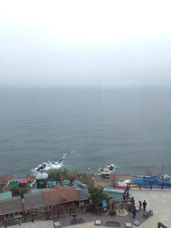 Mukho Lighthouse Park: 바다전망은 정말 좋네요