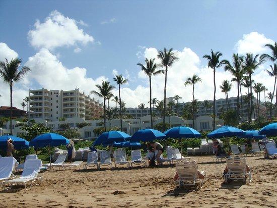 Fairmont Kea Lani, Maui: View from beach side of hotel