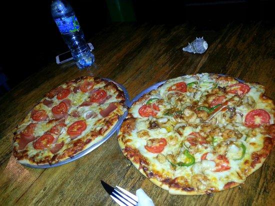 Casa Nostra: Pizza deluxe y Pizza de frutos del mar