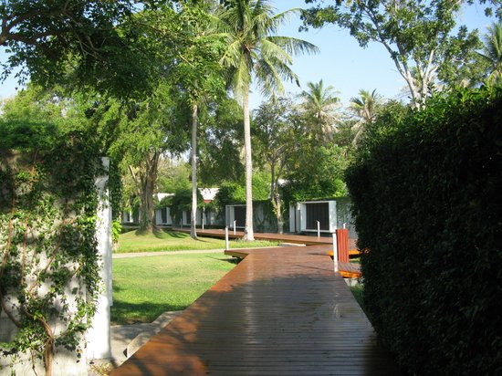 X2 Koh Samui Resort - All Spa Inclusive : the only place you get the sun will be OUTSIDE your garden