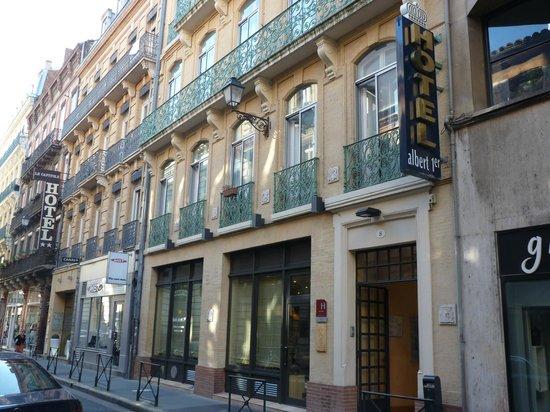 Hotel Albert 1er: outside of hotel