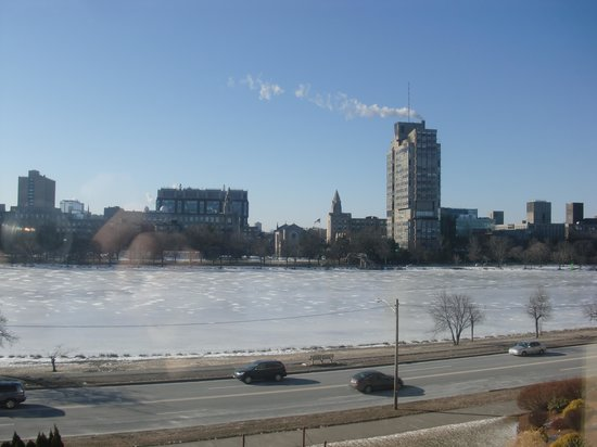 Hyatt Regency Cambridge, Overlooking Boston: Great Charles River view and Boston in distance